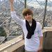 Bieber 2009. október 8-án a New York-i Empire State Building tetején azt játszotta, hogy éppen a négyes-hatoson utazik