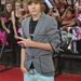 Bieber hazájában, Kanadában a vörös szőnyegen talán azt szerette volna közölni, hogy szívesen enne egy Twixet