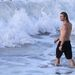Chris Hemsworth megy bele a tengerbe