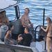 Chris Hemsworth a hajón törölközik Matt Damonékkal