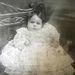 Betty Davidson kisbaba-korában. Ma már özvegy, és túl van majdnem 78 évnyi házasságon
