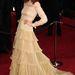 2011. február - Florence Welch a tavalyi Oscar-díjkiosztó előtt  egy Valentino Couture-ruhát sétáltatott meg a vörös szőnyegen