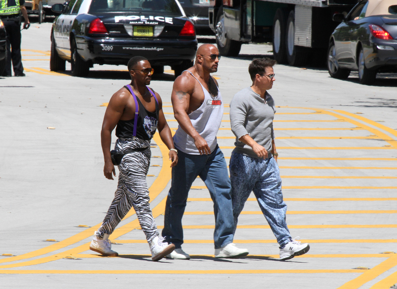 Dwayne Johnson és Mark Wahlberg a Pain and Gain című filmet forgatják