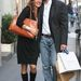 Ez a 2006-os kép Milánóban készült Karl-Heinz Grasserről és feleségéről, Fiona Swarovskiról. Vásárolgattak egyet