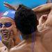 9. Egy Londonban is versenyző olasz úszópáros, a háttal álló Filippo Magnini barátnőjével, Federica Pellegrinivel viccel. Magniniről máris mutatunk egy olyan fotót, amin rendesen látszik is...