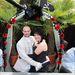 Emma és Steve Bazell kalózosra megcsinált esküvőjükön