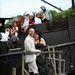 Emma és Steve Bazell, valamint az 50 fős násznép kalózosra megcsinált esküvőjükön