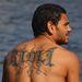 Círil Rioli, akinek a vezetékneve a hátára van tetoválva