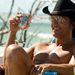 Egy kocka a Magic Mike című filmből - Matthew McConaughey a napozáshoz sem veszi le ezt a kalapot