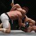 One Fighting bajnokság Szingapúrban - a japán Shinya Aoki lábai a francia Arnaud Lepont-t fojtogatják