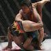 One Fighting bajnokság Szingapúrban - ezen a képen az amerikai Mitch Chilson arcát és az indonéz Ngabdi Mulyadi fenekét látjuk