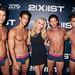 A 2(X)IST 2013. tavasz-nyári bemutató után Jenny McCarthy pózol néhány modellel