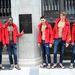 A modellek sorban pózolnak a frissen nyitandó Abercrombie & Fitch-üzlet előtt Münchenben
