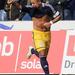 A Magdeburg egyik játékosa, Thiago Rockenbach da Silva örül a góljának