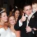 A menyasszony és a vőlegény között a pár nagyobbik gyermeke, Charlie nővére, a 12 éves Elle-Louise
