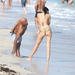 Russell Simmons és Hana Nitsche az óceánparton Miamiben