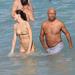 Russell Simmons és Hana Nitsche az óceánban Miamiben