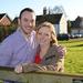 Egy friss portré: a háttérben Sharon és Mark otthona