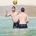 Andrej Sevcsenkó és Jamie Redknapp Barbadoson fejelget
