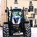 Jim és Heather Jones esküvője hóval és traktorral