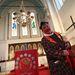 A különleges istentiszteleten sem a pap, sem a pulpitus nem szokványos