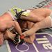 Harc közben: Kenny Robertson próbálja leszorítani Brock Jardine-t