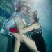 Nikolai Danielsen víz alatt pózol Aninka Ivicovával