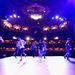 A Flying Steps próbája a színpadon