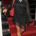 2012 februárjában izmos lábat villant az énekesnő.