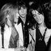 1978. Steven Tyler a fényképezőgépbe néz Joe Perry válla mögül