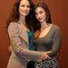 Jól jegyezzék meg, milyen tartózkodóan néz ki mindkét nő!