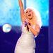 Egy régebbi kép: Christina Aguilera a 2011-es American Music Awardson énekel 2011 november 20-án. Fogyott azóta?