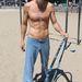 Jeffrey Nash rekorddöntésre készül hulahoppjával