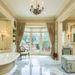 egy márvány fürdőhelység, gőzfürdővel,