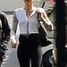 Miley Cyrus anyjával, Tish Cyrussal együtt ment egy Los Angeles-i stúdióba, hogy Larry Rudolphhal beszéljenek.