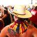 Vörös nyak ellen: napvédő kendő