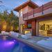 2007-ben újították fel a házat, ha valakit érdekelne, Melinda Gray sztár-belsőépítész segítségével.