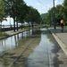 Víz alatt a villamospálya a Lánchíd utcában.