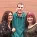 A bal szélen Beki, a jobb szélen az ő édesanyja, Dianne, középen pedig Gavin, Dianne második férje