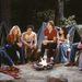 2002: jelenet a sorozatból. Kelly balról a második