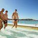 Ausztrál focisták a medencében