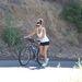Eva Longoria Los Angelesben kerékpározik augusztus 23-án.