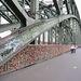 A Hohenzollern-híd, amiről a német vasúttársaságnak nem engedték, hogy eltávolítsa a lakatokat