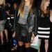 Jessica Alba iskoláslány szettet kreált bőrből.