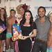 A fiúk karácsonyi hangulatban Kyle Richards színésznővel
