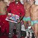A fiúk karácsonyi hangulatban Damarcus Morton divattervezővel