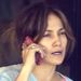 Jennifer Lopez smink nélkül telefonál