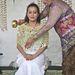 A menyasszony, Gusti Kanjeng Ratu Hayu is megtisztul édesanyja keze alatt