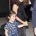 Salma Hayek és lánya a Los Angeles-i reptéren október 18-án.