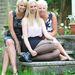 Ugyanők: Pauline Holmes, Abi Richardson és Sarah Richardson